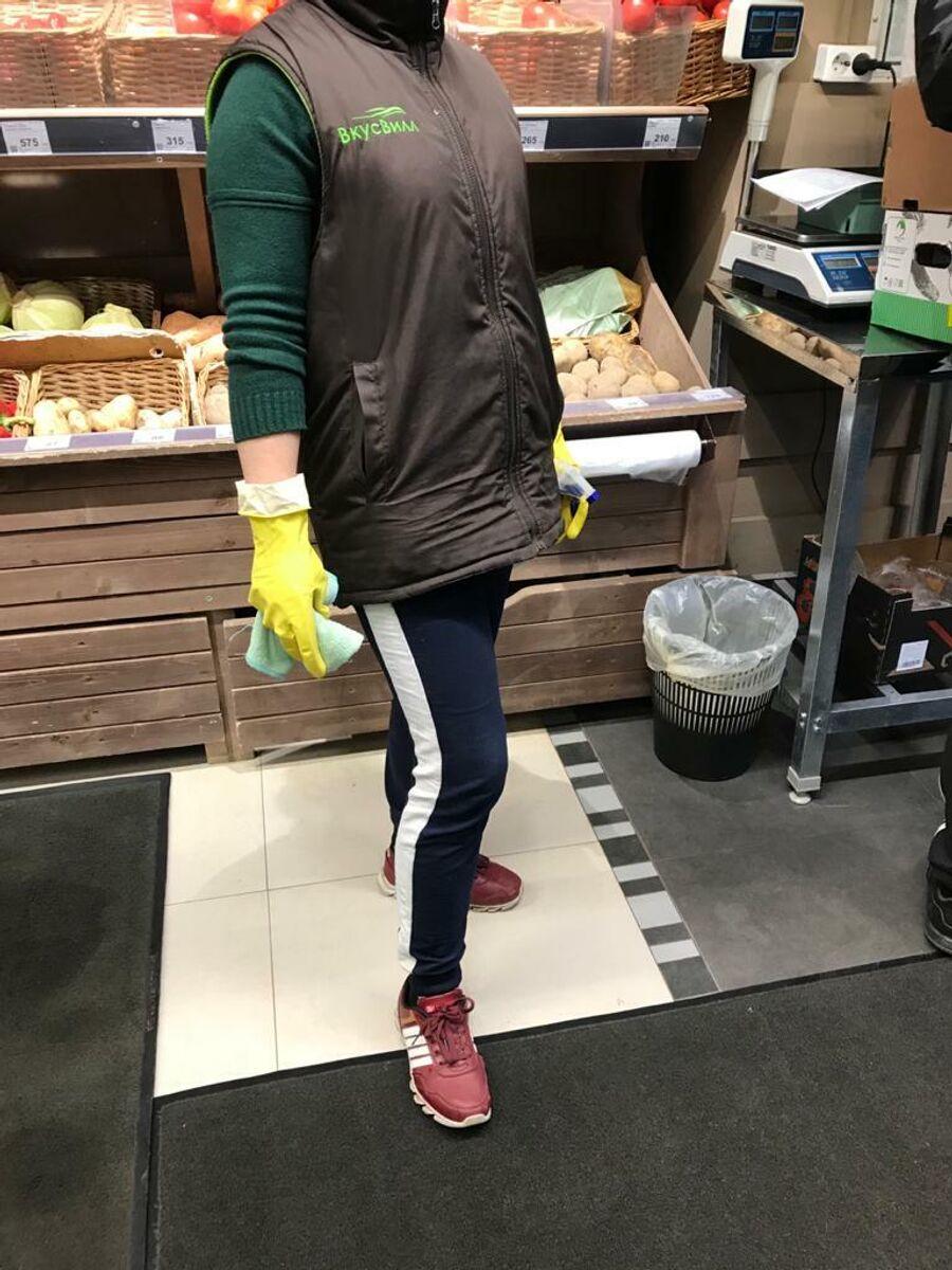 Репортаж о работе магазинов и продавцов в условиях коронавируса