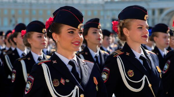 Парадные расчеты на генеральной репетиции военного парада на Дворцовой площади в Санкт-Петербурге, посвященного 73-й годовщине Победы в Великой Отечественной войне
