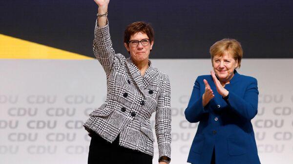 Большой привет от Аннегрет. Шеф Бундесвера ударила по правящей коалиции
