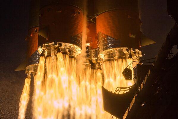 Запуск Ракеты Победы (ракеты-носителя Союз-2.1а с грузовым кораблем Союз МС-14) к МКС со стартовой площадки космодрома Байконур