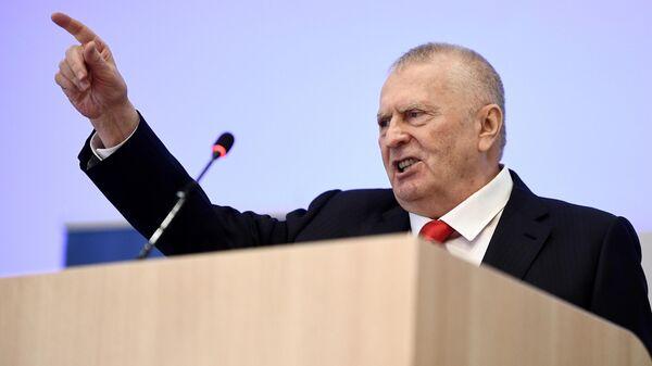 Руководитель Высшего Совета ЛДПР Владимир Жириновский во время обращения к молодежи