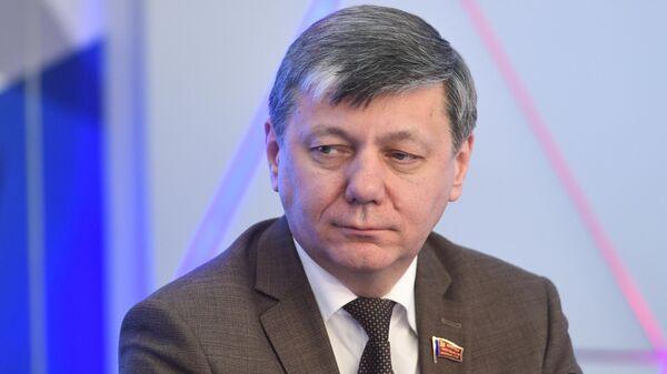 Первый заместитель председателя Комитета Государственной Думы РФ по международным делам Дмитрий Новиков