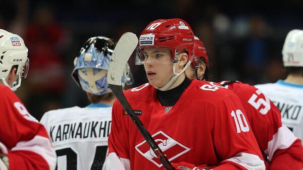 Защитник хоккейного клуба Спартак Александр Никишин