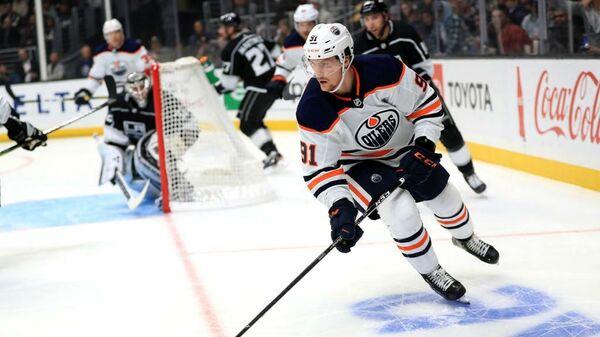 Нападающий клуба НХЛ Эдмонтон Ойлерз Гаэтан Хаас