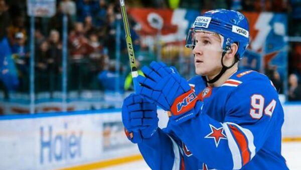 Нападающий хоккейного клуба СКА Александр Барабанов