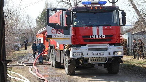 Пожар в ангаре, где производят пластиковую пленку в селе Федоровка Хабаровского края