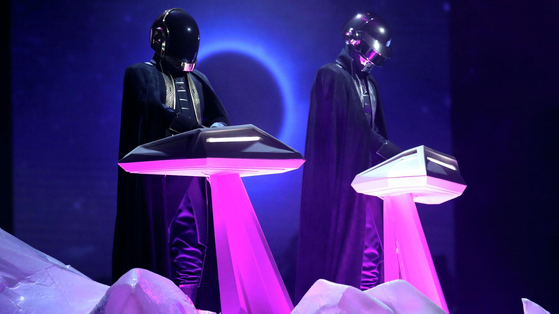 Французский музыкальный электронный дуэт Daft Punk  - РИА Новости, 1920, 22.02.2021