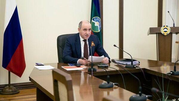 Глава КЧР Рашид Темрезов на совещании с главами городов и районов