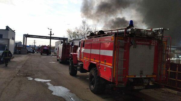 Пожар на складе с подсолнечным маслом в Подольске