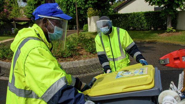 Cбор отходов во Франции во время пандемии коронавируса