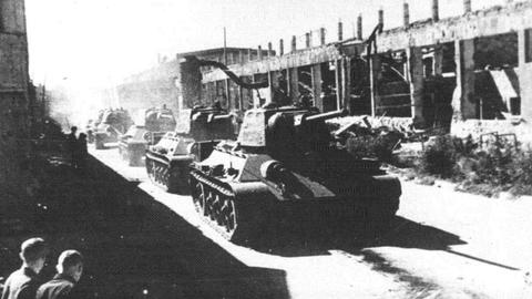 Танки на улицах Сталинграда