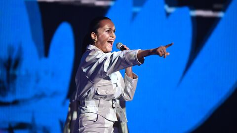 Певица Слава выступает на музыкальной премии Жара Music Awards в концертном зале Крокус Сити Холл в Москве