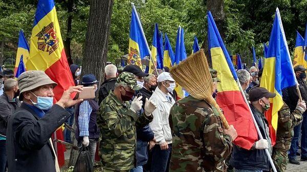 Митингующие в Кишиневе