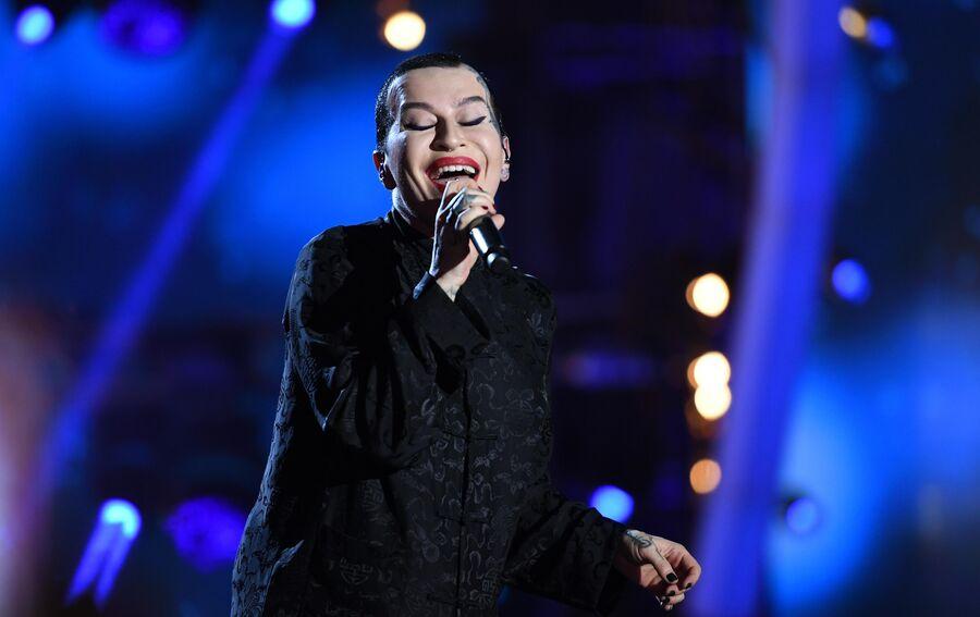 Певица Наргиз Закирова на международном музыкальном фестивале ЖАРА в Баку