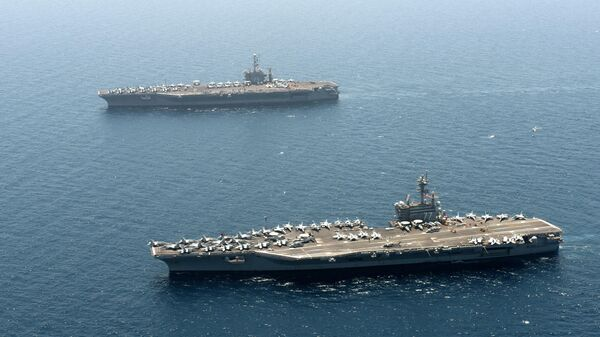 Авианосцы ВМС США USS Harry S. Truman и USS George H. W. Bush