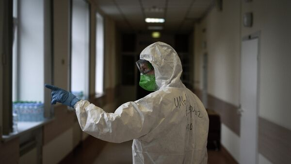 Врач Илья Чайников в инфекционной больнице РЖД-Медицина