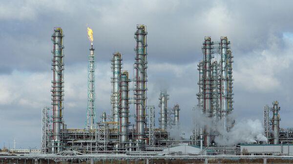 Предприятие по переработке углеводородного сырья компании СИБУР