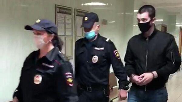 Подозреваемый по делу по делу о стрельбе на юге Москвы в суде