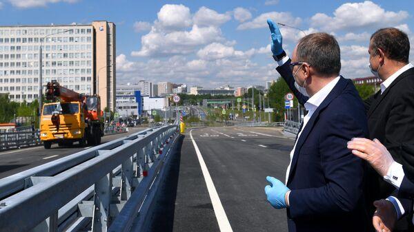 Заместитель мэра Москвы в правительстве Москвы Андрей Бочкарев на открытии путепровода через МЦК