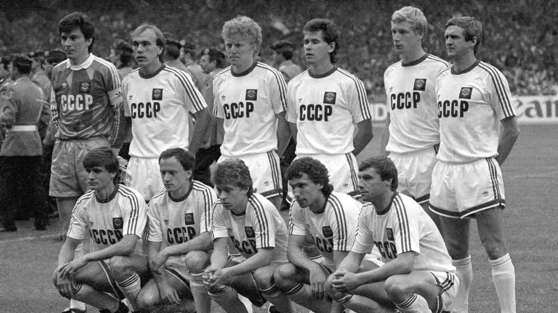 Футболисты сборной СССР на ЕВРО-1988 - РИА Новости, 1920, 29.05.2020
