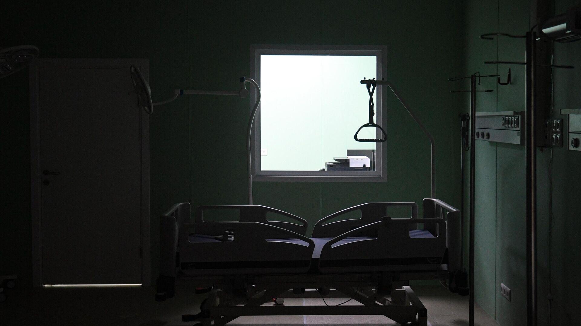 Оборудование реанимационной палаты во временном госпитале для пациентов с COVID-19 в павильоне No75 на ВДНХ в Москве - РИА Новости, 1920, 06.05.2021