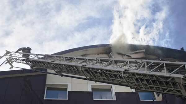 Пожар в бизнес-центре Парус в Тюмени