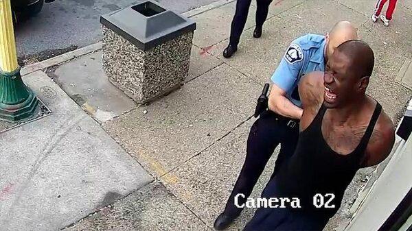Кадры смертельного задержания полицейскими Джорджа Флойда