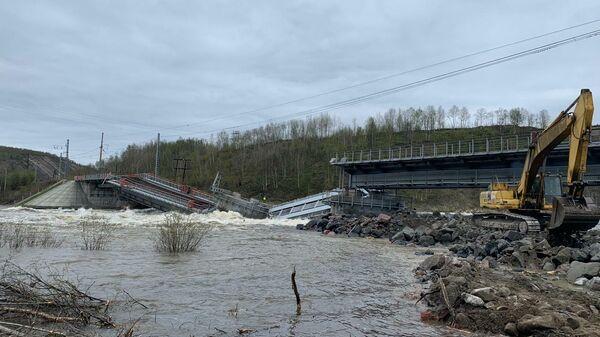 Обрушение железнодорожного моста в Мурманской области