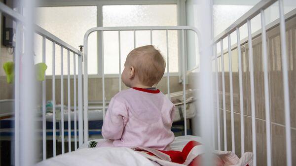 ВОЗ оценила риск передачи COVID-19 от матери ребенку при кормлении грудью