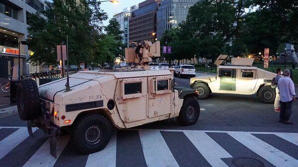 Автомобили Национальной гвардии США в Вашингтоне