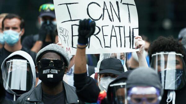 Протестующие на одной из улиц Нью-Йорка