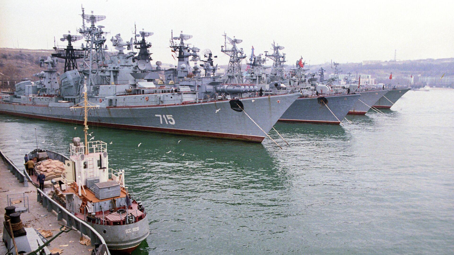 Военно-морские корабли Черноморского флота в бухте Севастополя - РИА Новости, 1920, 13.05.2021