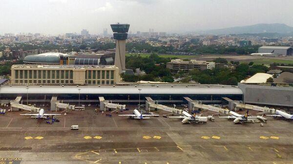 Самолеты в аэропорту Мумбаи