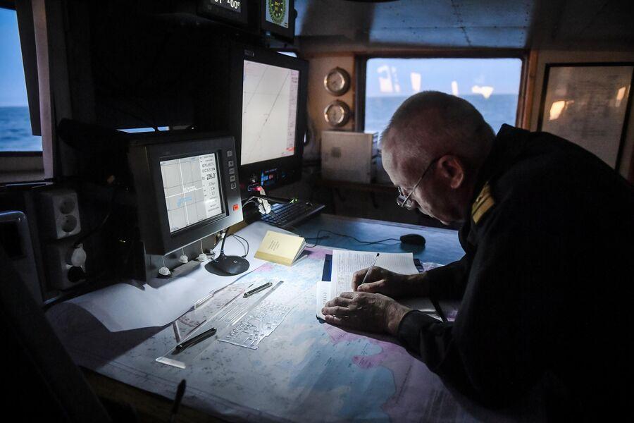 Кругосветная экспедиция на исследовательском судне Адмирал Владимирский
