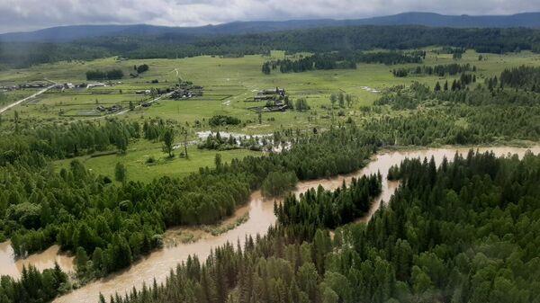 На месте ЧС в Норильске осуществлена перегруппировка сил и средств для зачистки мелких озер, углублений и ручьев