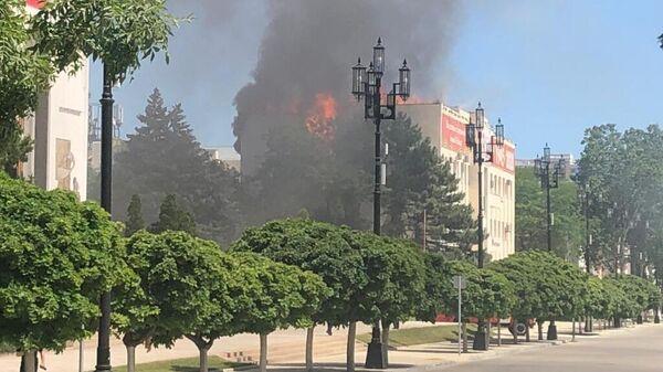 В Махачкале ликвидировали открытое горение в здании Ростелекома