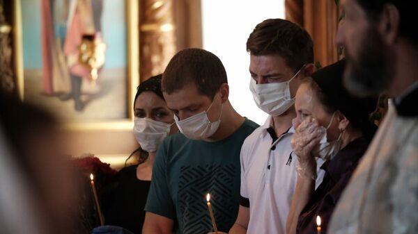 Отпевание Сергея Захарова, погибшего в ДТП с участием актера Михаила Ефремова, в его родном селе Кузьминское в Рязанской области