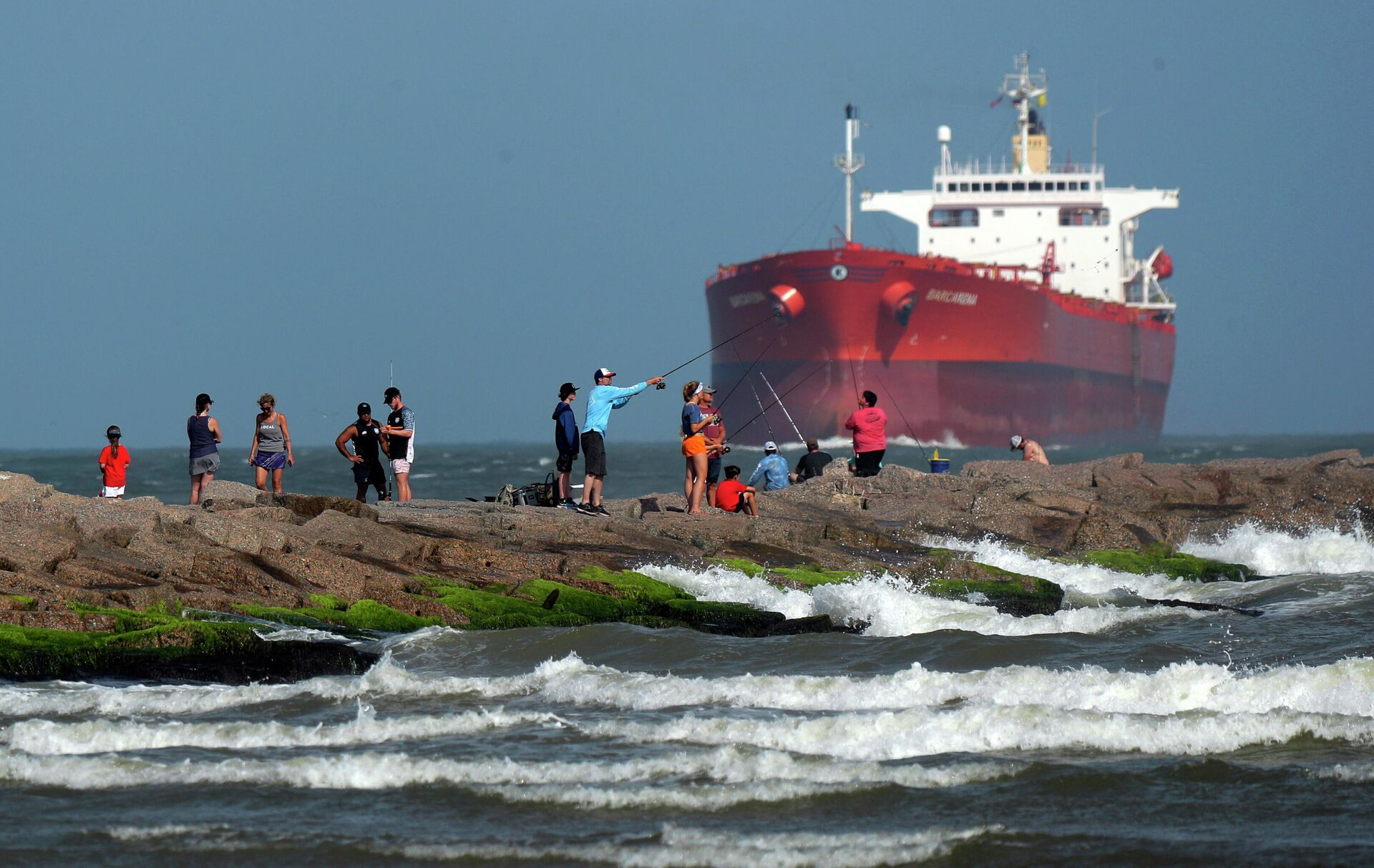 Ураганный спрос: США закупают российскую нефть