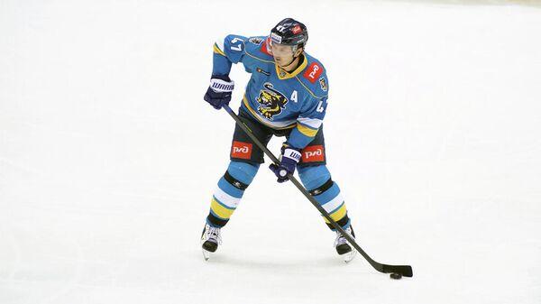 Защитник хоккейного клуба Сочи Алексей Петров