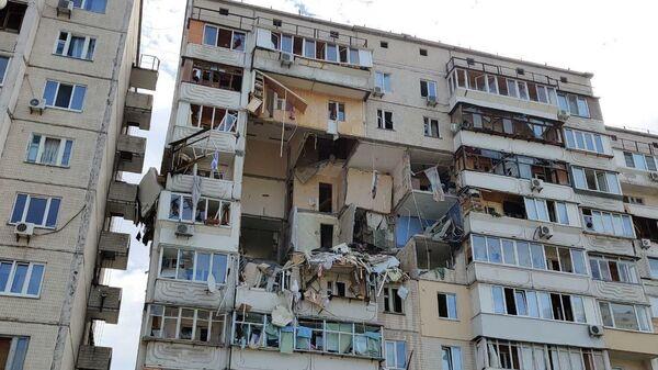 На месте взрыва бытового газа в жилом доме в Киеве, Украина