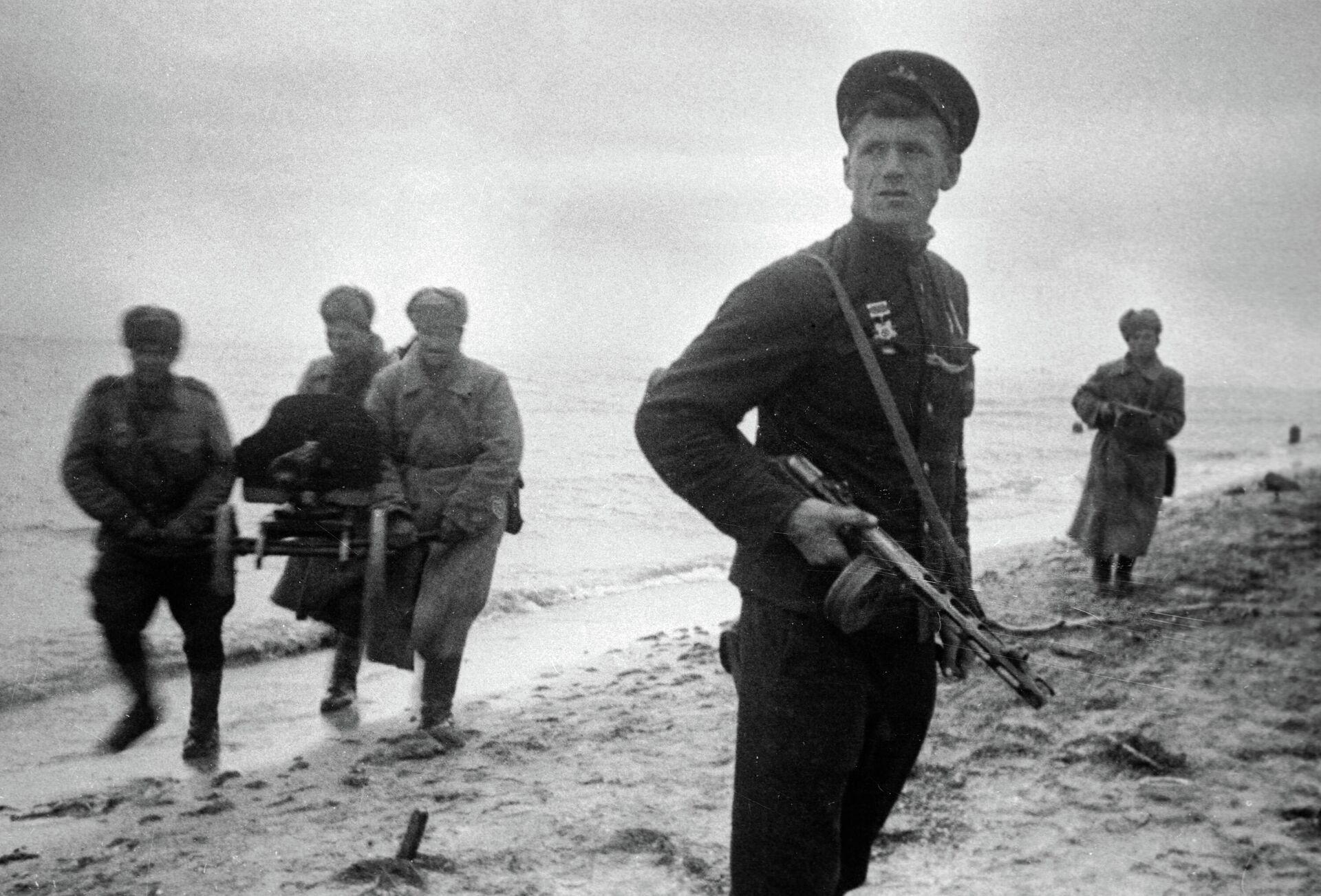 Бойцы красной армии во время Керченской десантной операции - РИА Новости, 1920, 26.11.2020