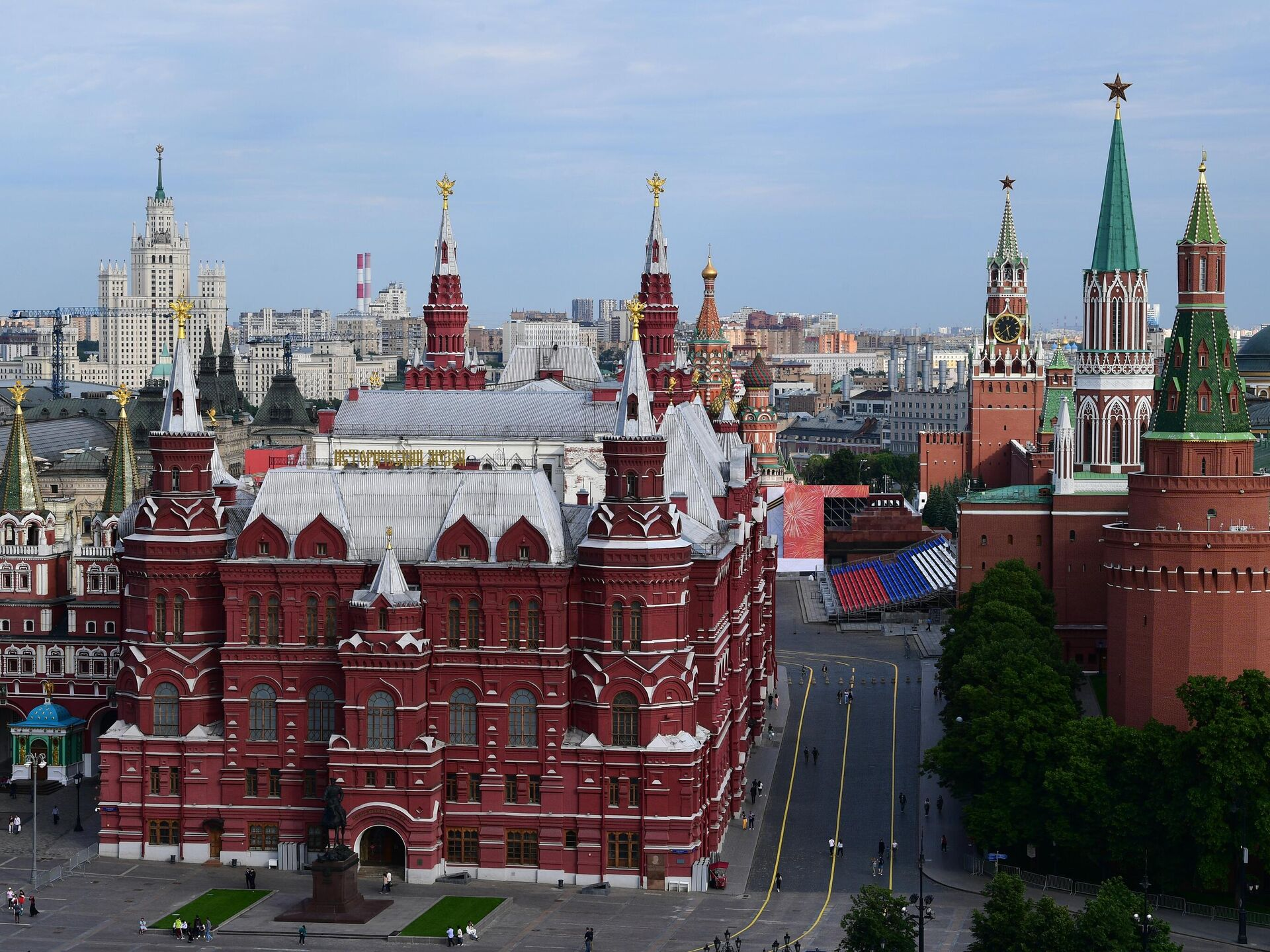 когда открывается фитнес клубы в москве