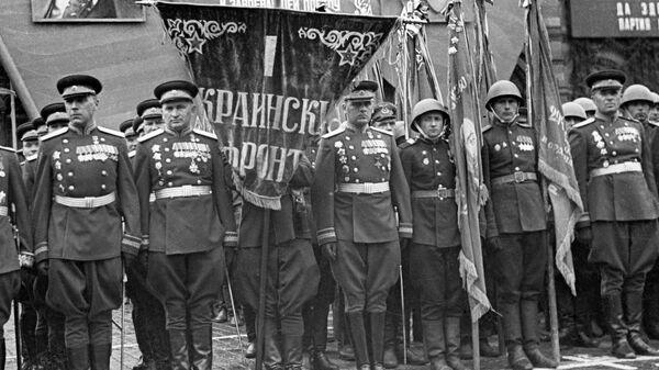 Командование I Украинского фронта на Параде Победы. Первый слева - маршал Иван Степанович Конев