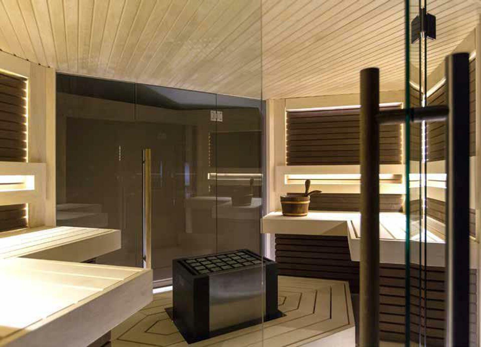 Жар, пар и аромат: из чего лучше делать внутреннее убранство бани