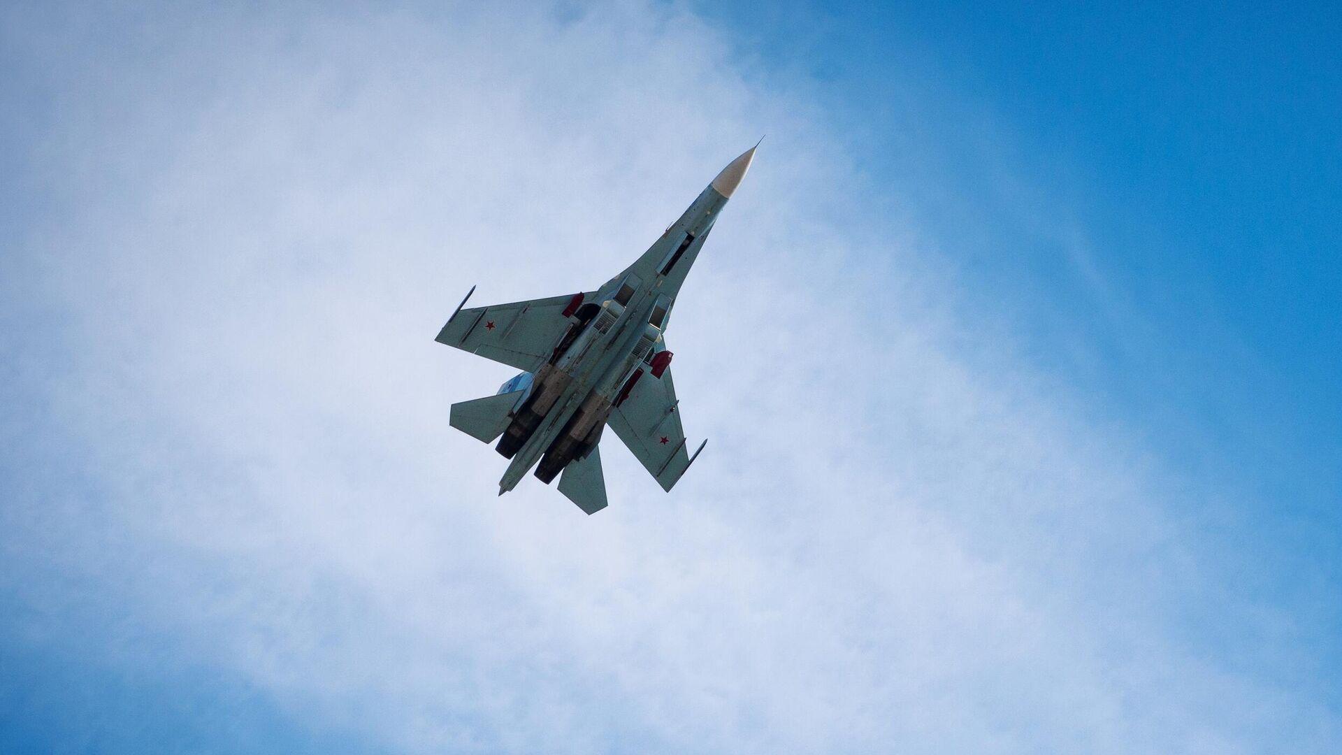 Многоцелевой истребитель Су-27  - РИА Новости, 1920, 28.09.2020