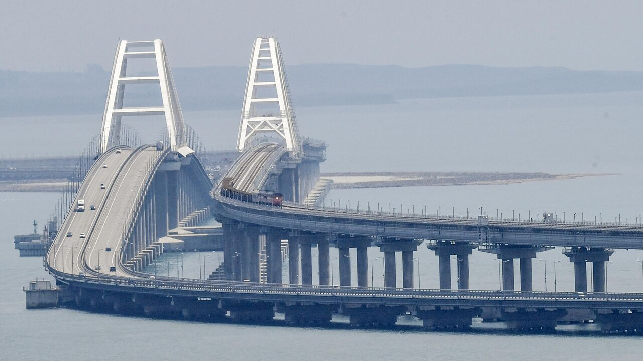 Кулеба назвал Крымский мост неразрешимой проблемой