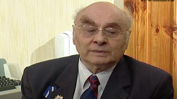 Писатель Борис Дубровин