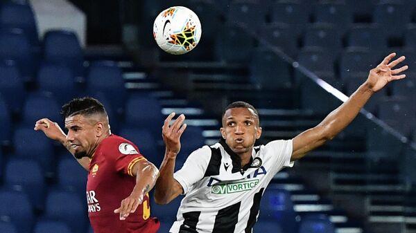 Игровой момент матча Удинезе - Рома