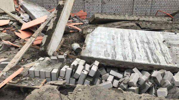 Последствия обрушения в ходе строительных работ в городе Зуевка Кировской области