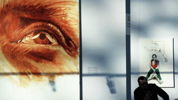 Картины, представленные на ярмарке современного искусства